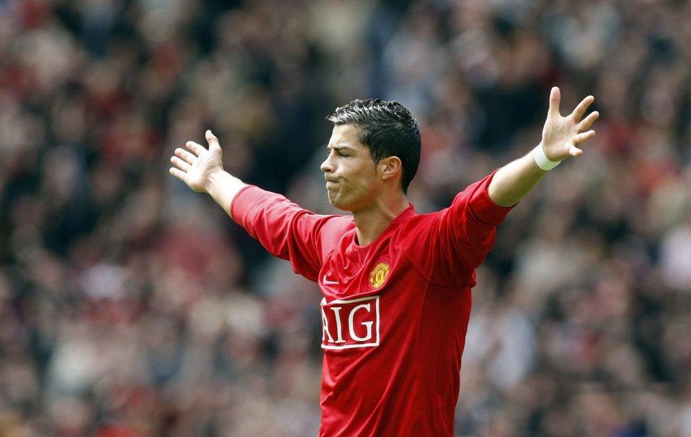 cristiano-ronaldo-cristiano-ronaldo-cristiano-ronaldo-ronaldo-manchester-united-manchester-united-football-celebrity-celebrations-star-football.jpg