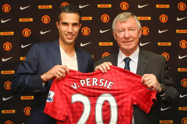 Robin Van Persie signs with Manchester United.jpeg